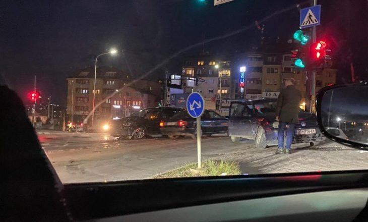 Dy të lënduar nga një aksident trafiku në Prishtinë
