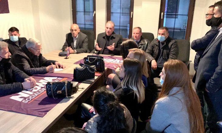 Limaj në Mitrovicë kërkon mobilizim: Vendit po i kanoset një e keqe e madhe