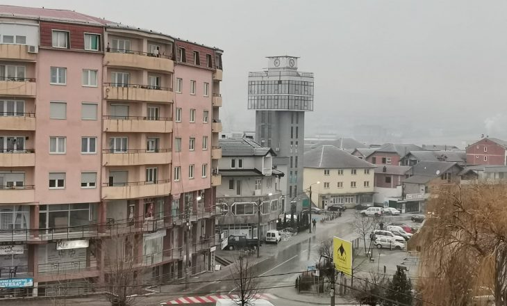 Malishevë: Vështirësohet qarkullimi në disa rrugë si shkak i reshjeve të shiut