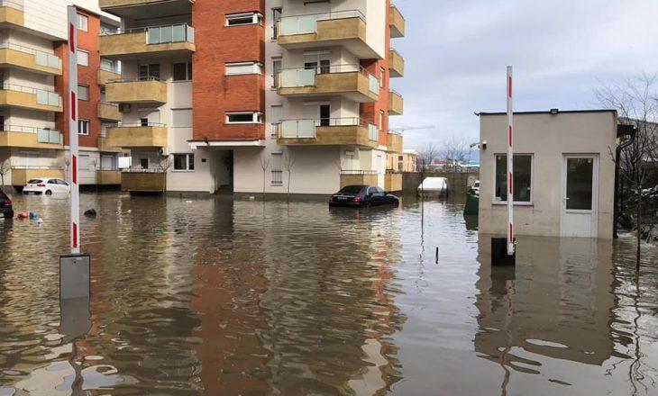 Vërshohen shtëpi banimi në Fushë Kosovë dhe rajonin e Pejës