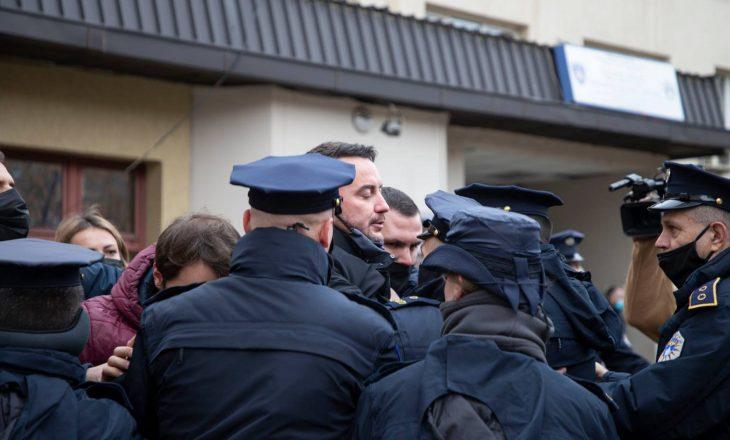 PSD reagon pas arrestimit të zyrtarëve të saj