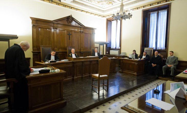 Ish-kreu i bankës së Vatikanit u shpall fajtor për pastrim parash