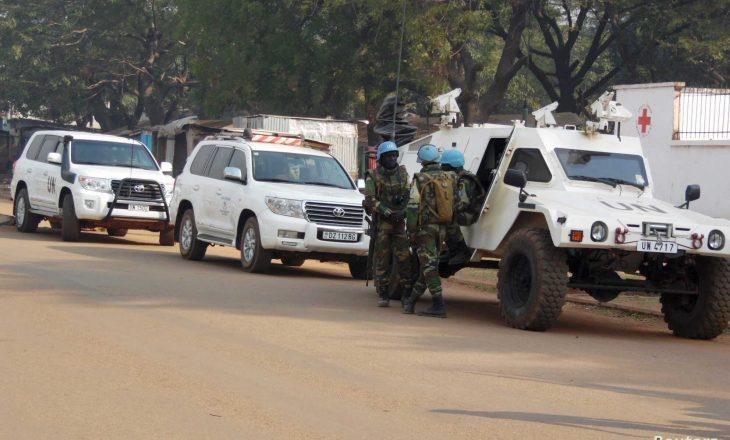 Një paqeruajtës i Kombeve të Bashkuara vritet dhe dy të tjerë plagosen në Republikën e Afrikës Qëndrore
