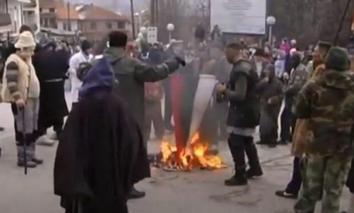Djegia e flamurit bullgar në Maqedoninë e veriut, reagon Sofja zyrtare