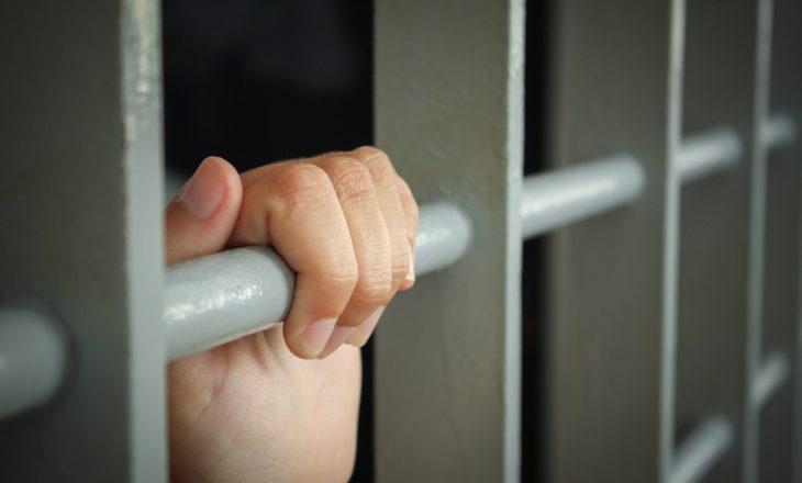 Një muaj paraburgim për prizrenasin që ushtronte dhunë në familje