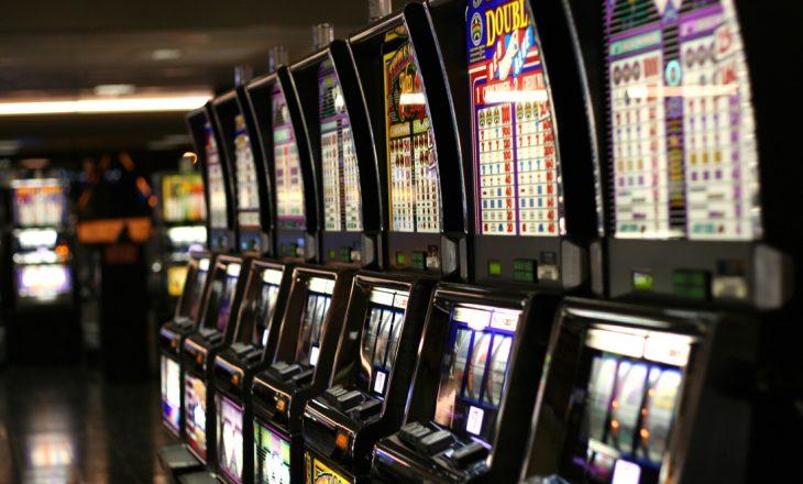 Skenderaj: Policia mbyll tri lokale të lojërave të fatit