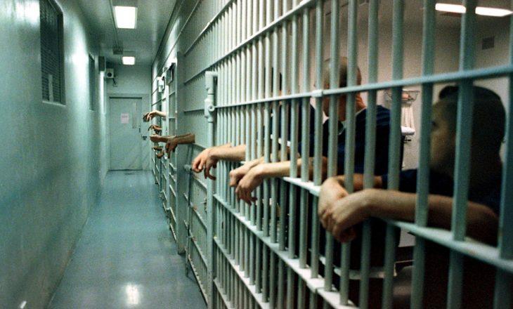 Shqipëri: Të dënuarit për terrorizëm kërkojnë ushqim hallall në burgje