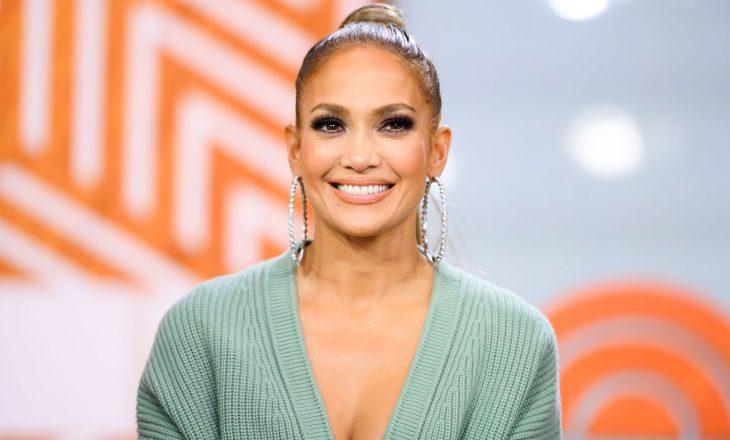 """Jennifer Lopez me stil të ri të flokëve në magazinën """"Allure"""""""