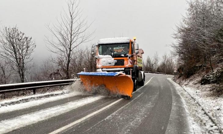 MI njofton për gjendjen e rrugëve pas reshjeve të borës dhe ngricave
