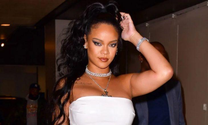 Postimi i fundit i Rihanna-s një thumb për Donald Trump