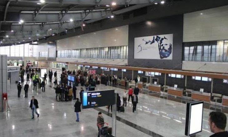 Ekstradohet nga Hungaria, arrestohet në aeroport kosovari që kontrabandoi me migrantë