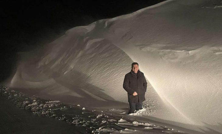 Bahtiri vëzhgon zhbllokimin e rrugëve nga bora