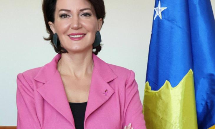 Rrugëtimi nga fëmijëria deri në Presidencë, letër për vajzat e reja të Kosovës