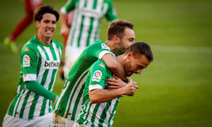 La Liga: Villarreal mposht Levanten, Sevilla barazon me Betis