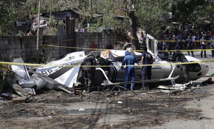 Nga rrëzimi i helikopterit ushtarak, shtatë persona humbin jetën në Filipine