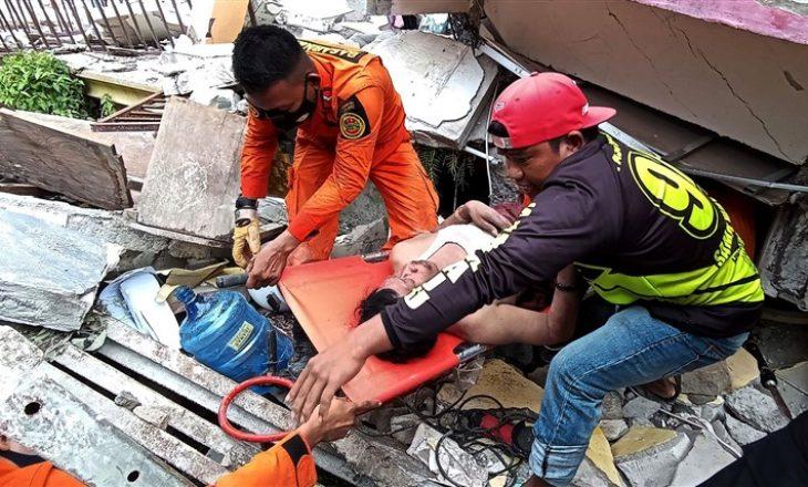 Shkon në 73 numri i viktimave nga tërmeti në Indonezi