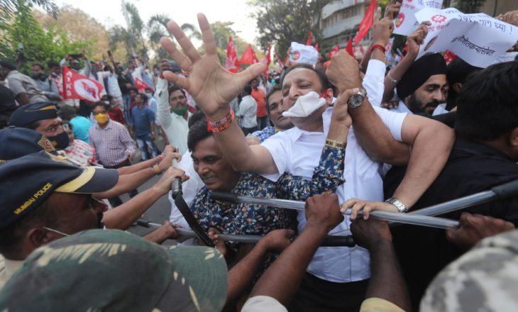 Protesta masive të fermerëve në Indi