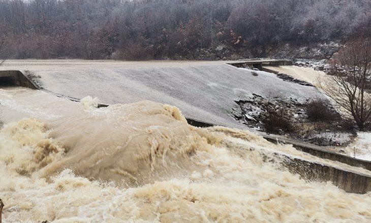 Komunat kërkojnë studim fizibiliteti për t'i parandaluar vërshimet