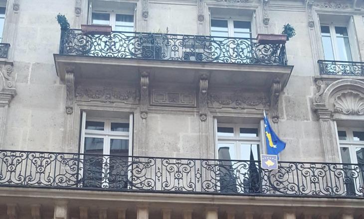 Ambasada e Kosovës në Paris del me një njoftim të rëndësishëm