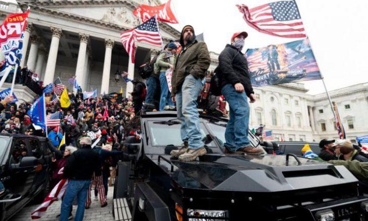 Demokratët insistojnë në shkarkimin e Trump-it