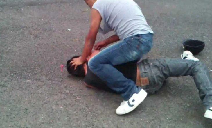 Prishtinë: Një algjerian e rrah një marokian