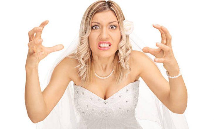 Gruaja urdhëron familjen të paguajë një dasmë të dytë – nuk i pëlqyen fotografitë nga e ajo e para