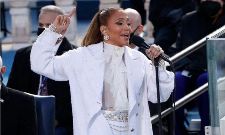 Jennifer Lopez – dhe unaza e saj masive – shkëlqeu në performancën e inaugurimit të Biden