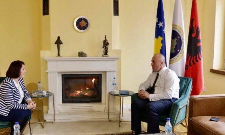 Magbule Shkodra i tregoi AAK-së se nuk dëshiron të kandidojë për deputete, partia megjithatë prapë e ka futur në listë