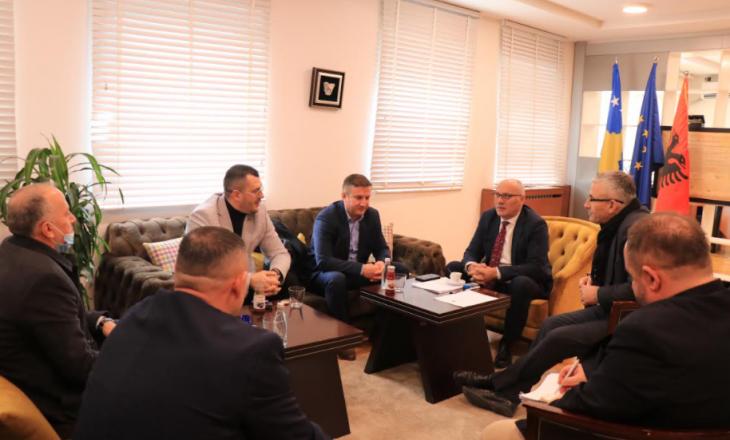 Ministri i ekonomisë njoftohet për gjendjen në Telekom