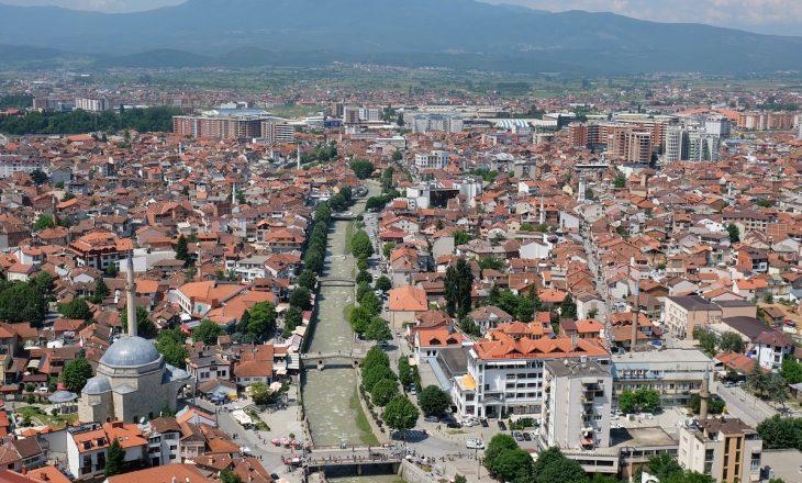 Theret me thikë një person në Prizren, arrestohen të dyshuarit