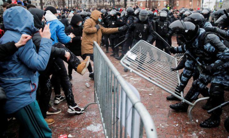 Rusia akuzon perëndimin për nxitjen e protestave opozitare