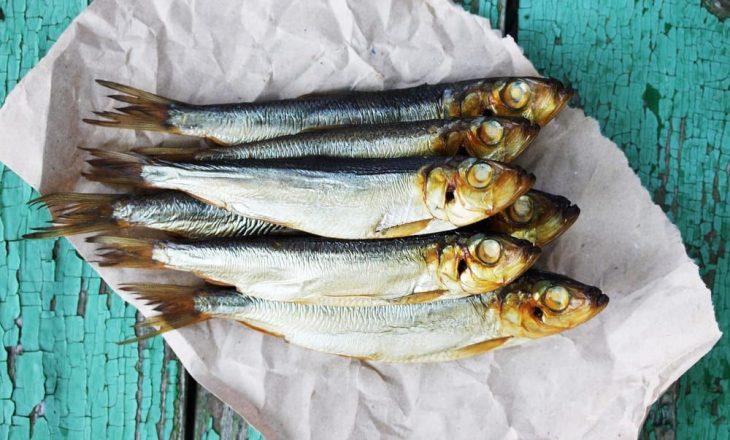Studimi: Ngrënia e peshkut me vaj mund të përgjysmojë rrezikun e shfaqjes së astmës tek fëmijët