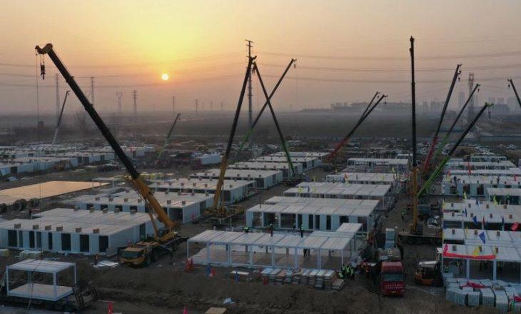 Rastet me COVID-19 po rriten: Kina ndërton një spital me 1,500 dhoma brenda pesë ditësh