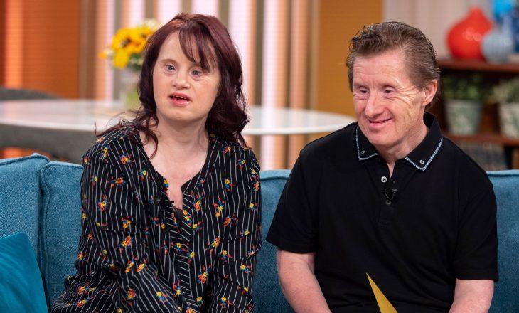 Një nga qiftet e para me Sindromën Down që u martuan – vdes burri nga COVID-19