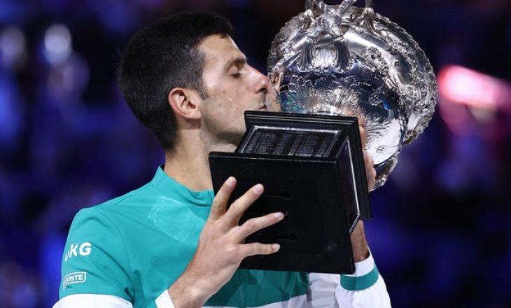 Gjokoviç fiton 'Australian Open', në finale ka mposhtur rusin Medvedev