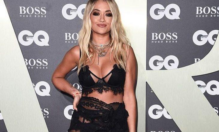 """Rita Ora reagon pas kritikave për veshjen e saj: """"Me rëndësi, ndihem rehat!"""""""