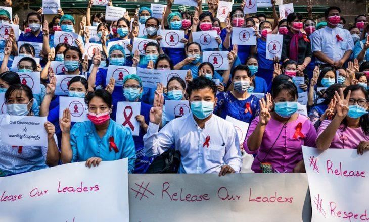 Mësuesit në Mianmar bashkohen me protestën kundër grusht shtetit