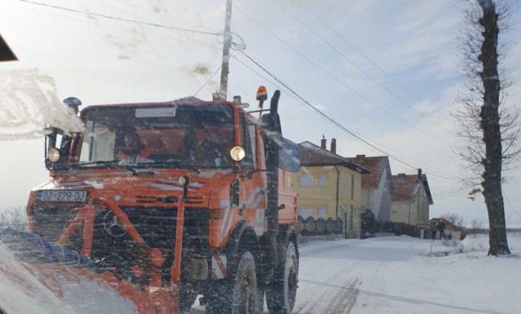 Jashari: Pastrimi dhe zhbllokimi i rrugëve në Skenderaj po vazhdon