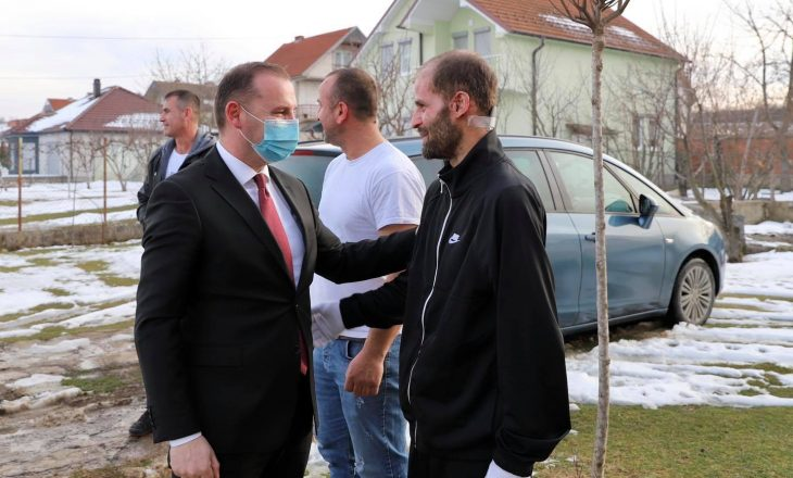 Kthehet i shëruar nga Austria njëri nga të lënduarit e shpërthimit në Ferizaj