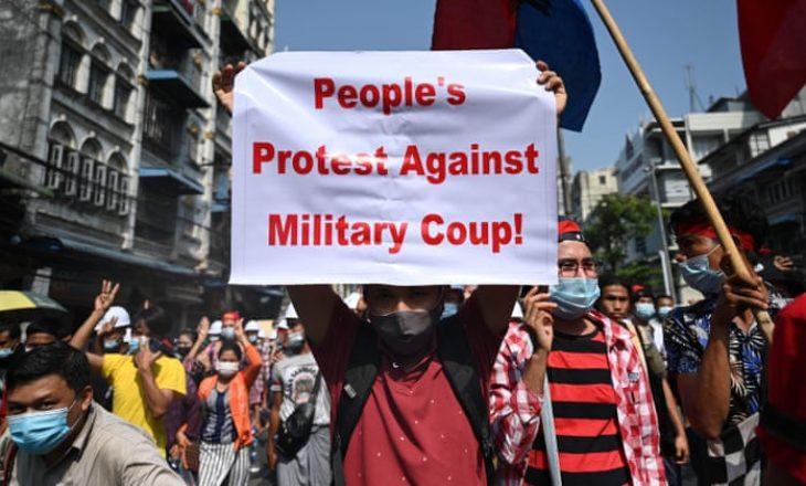 Vazhdon protesta ndaj anti-juntës në Mianmar