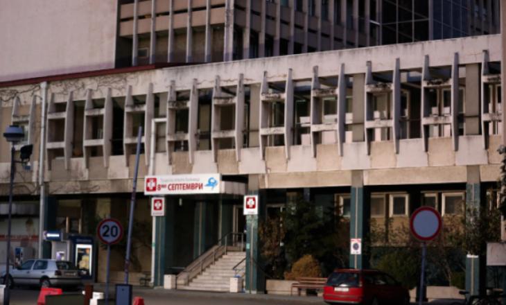 Maqedoni e Veriut: Vdes një pacient me COVID-19 pasi hidhet nga dritarja e spitalit