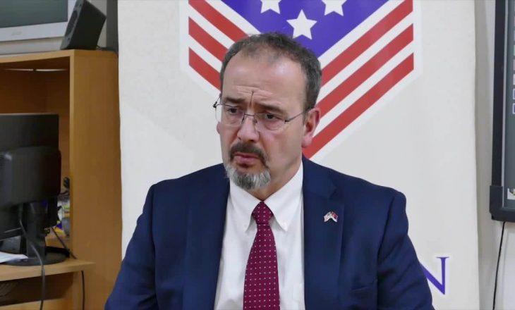 Ambasadori amerikan në Beograd thotë se pret vizitën e Palmerit