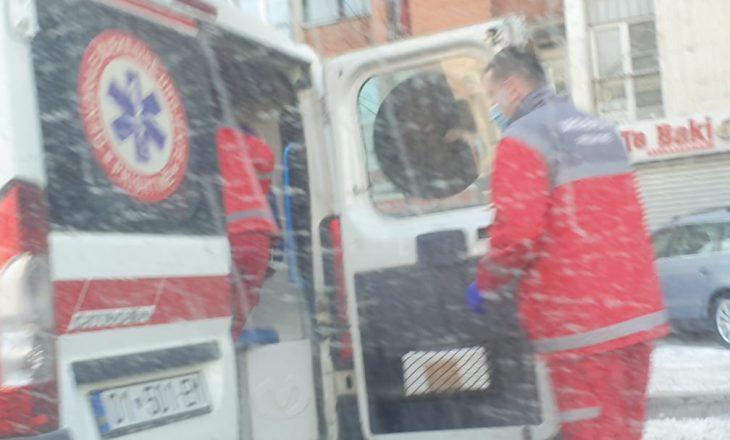 Aksident mes dy veturave në Prishtinë, një i lënduar