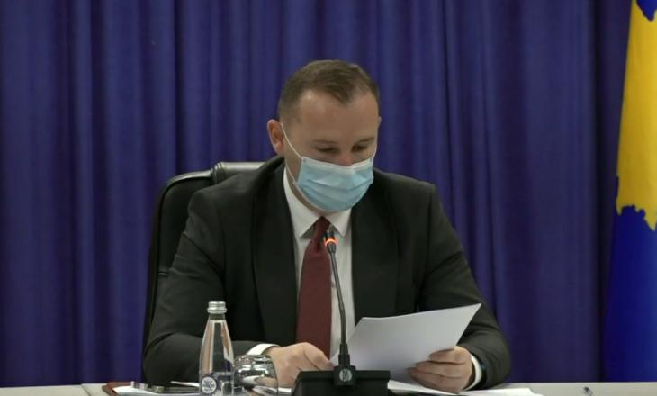 Zemaj nuk fajëson qeverinë për mosardhjen e vaksinave