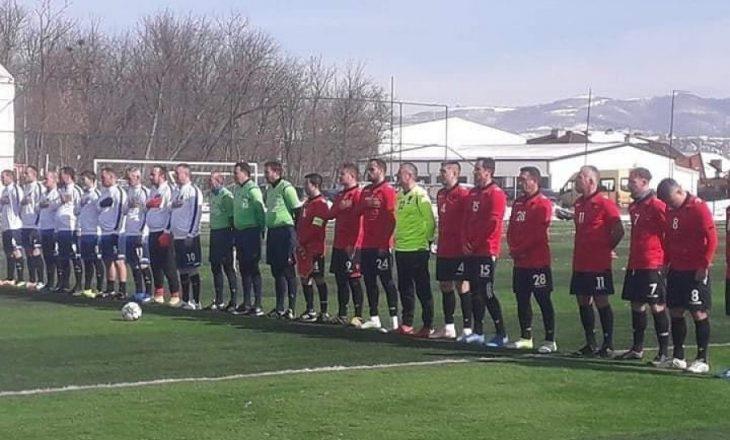 Ndeshja miqësore mes veteranëve të Kosovës dhe Shqipërisë mbyllet pa gola, ndeshje që u zhvillua për nder të Pavarësisë së Kosovës