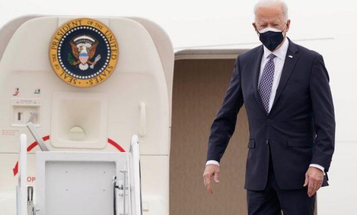 Joe Biden viziton Teksasin pas stuhisë së borës që kishte përfshirë vendin