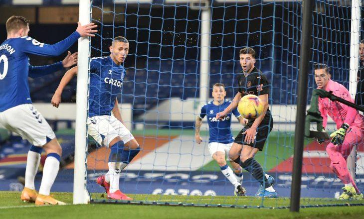 Manchester City mposht si mysafir Everton-in, përforcon pozitën e parë në ligë