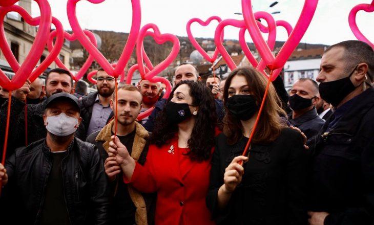 """Vjosa Osmani e rrethuar me të """"kuqen"""" e shumë diskutuar"""