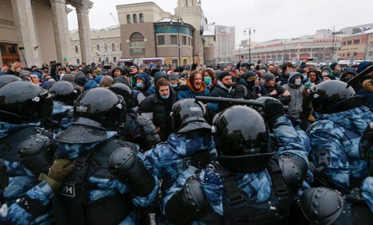 Morën pjesë në protestat opozitare, Rusia dëbon tre diplomatë të Bashkimit Evropian