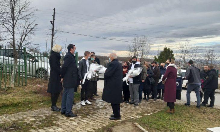 Kurti tek varri i Mon Balajt e Arben Xheladinit: Janë dëshmorë të vullnetit të popullit për liri